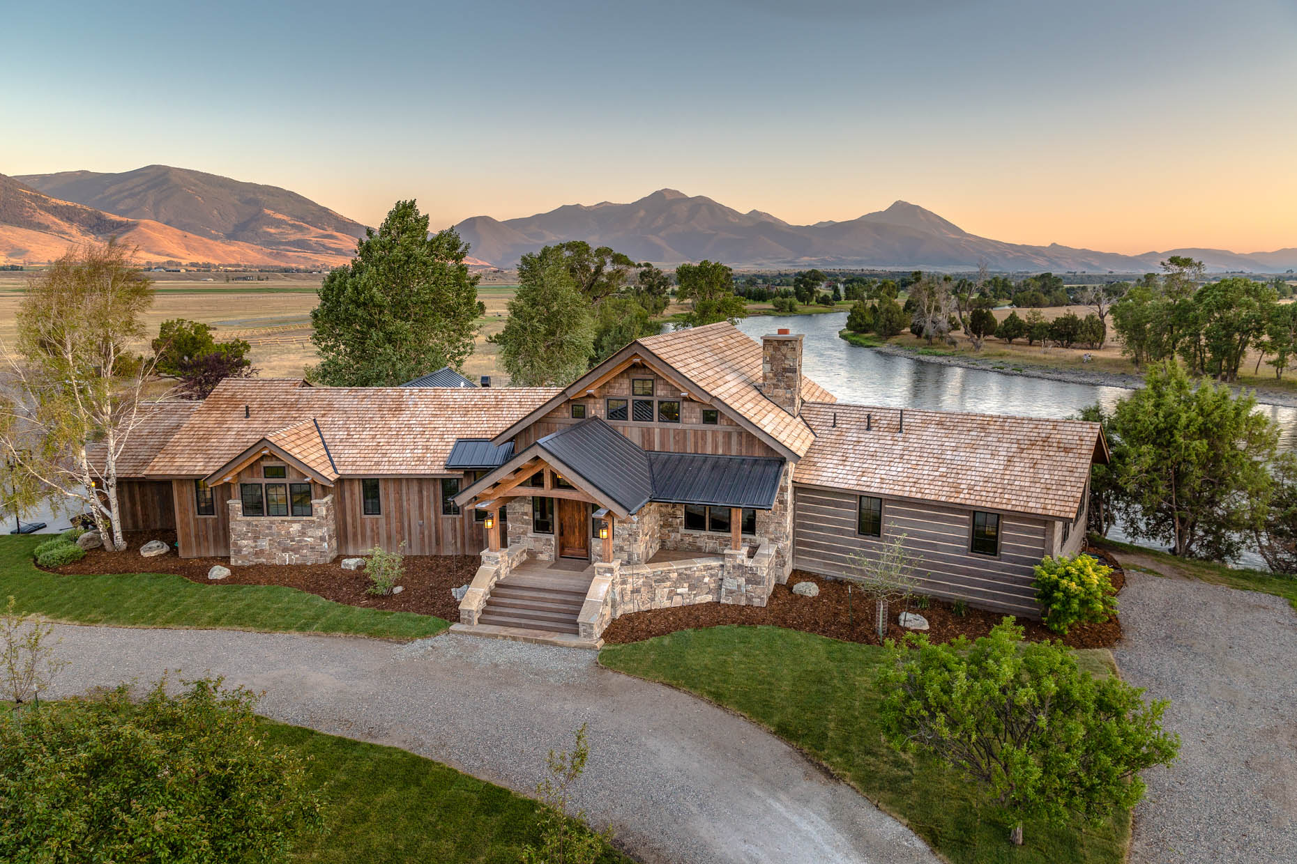 architecture Fishcamp Customs exterior paradise valley Yellowstone River