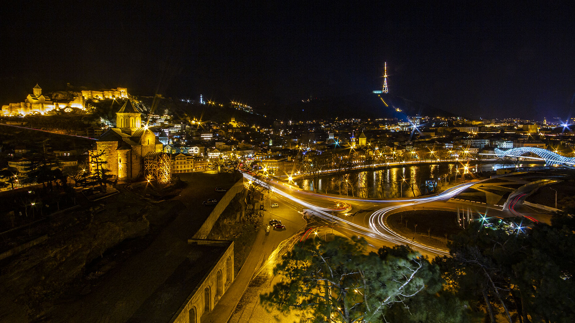 DAP travel Georgia Tbilisi night